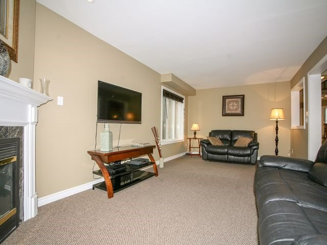 Detached at 32 Woodhaven Cres, Richmond Hill, Ontario. Image 20