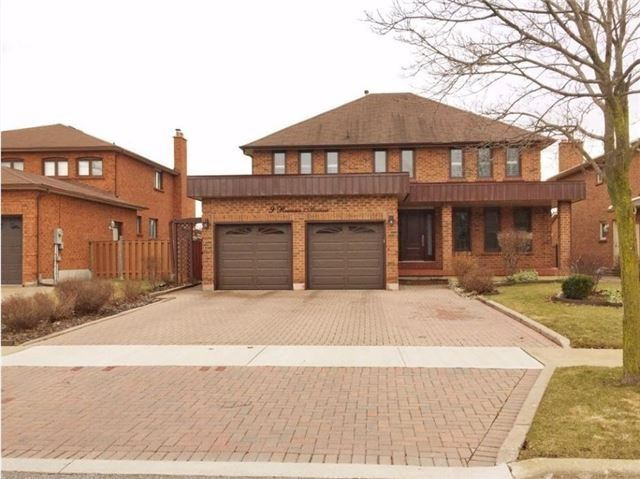Detached at 9 Roxana Ave, Vaughan, Ontario. Image 1