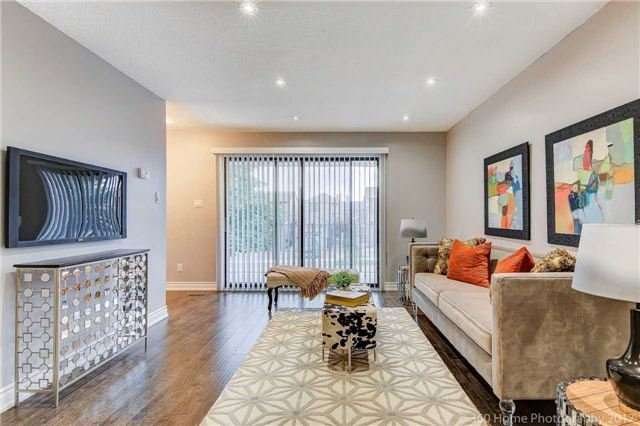 Detached at 59 Cog Hill Dr, Vaughan, Ontario. Image 12