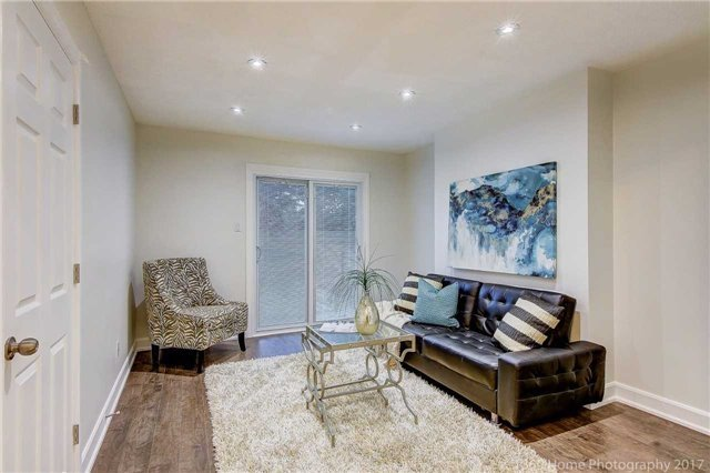 Detached at 59 Cog Hill Dr, Vaughan, Ontario. Image 2