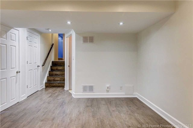 Detached at 59 Cog Hill Dr, Vaughan, Ontario. Image 6