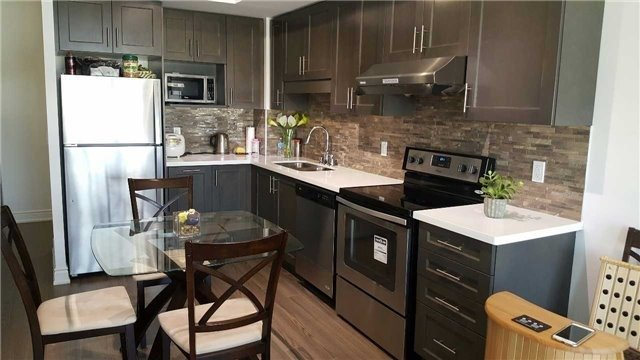 Condo Apartment at 99 South Town Centre Blvd, Unit 915, Markham, Ontario. Image 4