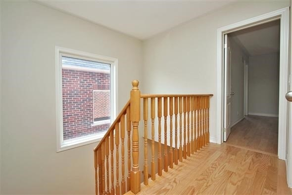 Townhouse at 121 Thatcher Cres, Newmarket, Ontario. Image 20