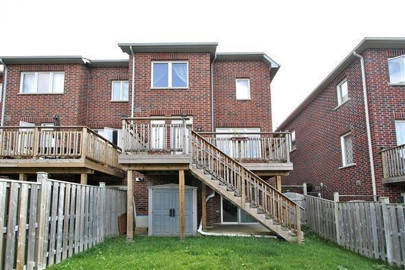 Townhouse at 121 Thatcher Cres, Newmarket, Ontario. Image 10