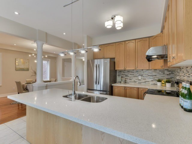 Detached at 17 Danpatrick Dr, Richmond Hill, Ontario. Image 20