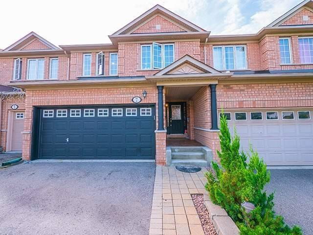 Townhouse at 7 Chapman Crt, Aurora, Ontario. Image 1