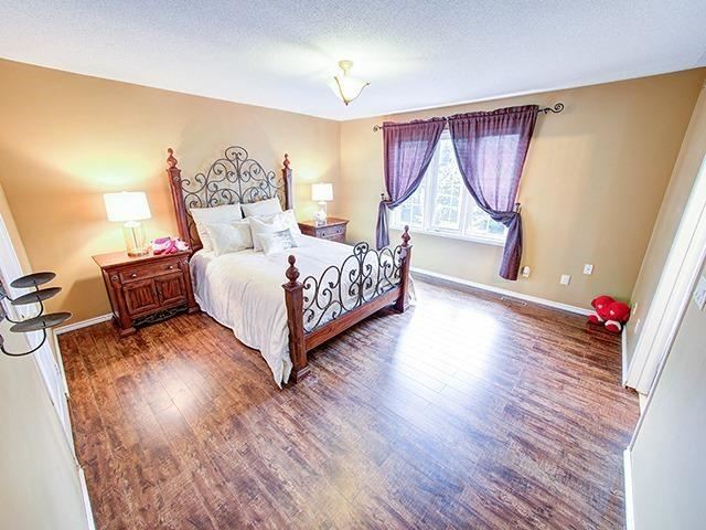 Townhouse at 7 Chapman Crt, Aurora, Ontario. Image 20