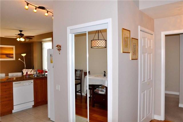 Condo Apartment at 11121 Yonge St, Unit 310, Richmond Hill, Ontario. Image 9