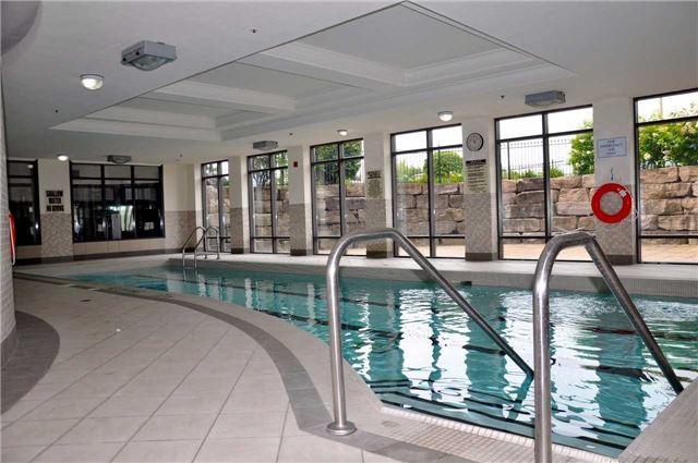 Condo Apartment at 11121 Yonge St, Unit 310, Richmond Hill, Ontario. Image 3