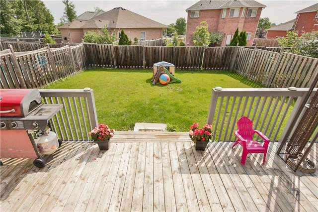Detached at 2091 Wilson St, Innisfil, Ontario. Image 12