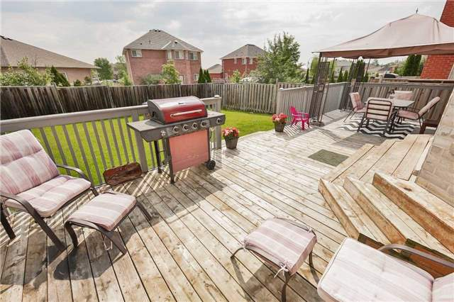 Detached at 2091 Wilson St, Innisfil, Ontario. Image 14