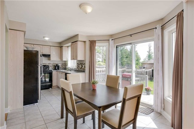 Detached at 2091 Wilson St, Innisfil, Ontario. Image 20