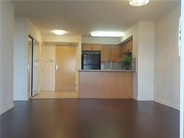 Condo Apartment at 7373 Kennedy Rd, Unit 516, Markham, Ontario. Image 16