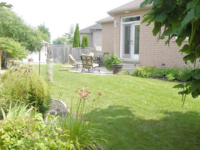Detached at 73 Mills Crt, Bradford West Gwillimbury, Ontario. Image 11