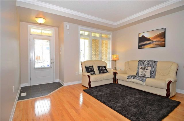 Townhouse at 111 Betony Dr, Richmond Hill, Ontario. Image 12