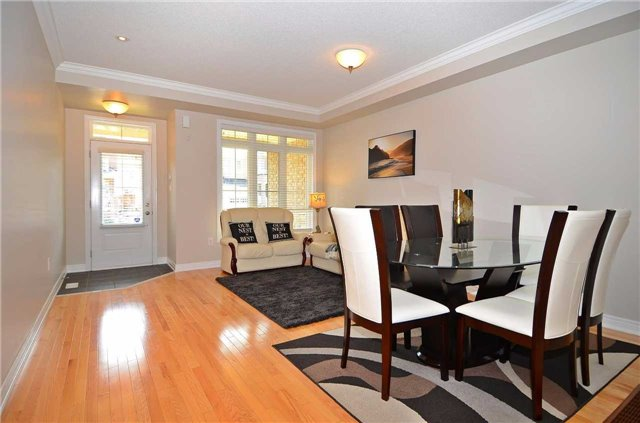 Townhouse at 111 Betony Dr, Richmond Hill, Ontario. Image 14
