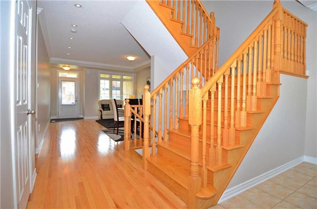 Townhouse at 111 Betony Dr, Richmond Hill, Ontario. Image 15