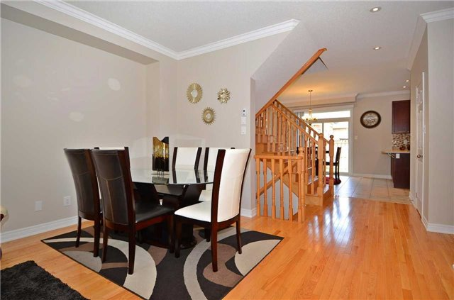 Townhouse at 111 Betony Dr, Richmond Hill, Ontario. Image 17