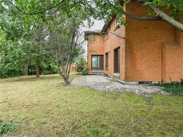 Detached at 8 Loyalist Crt, Markham, Ontario. Image 11