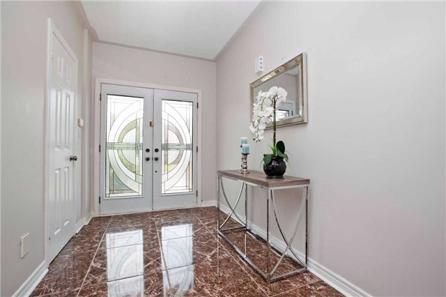 Detached at 125 Queen Isabella Cres, Vaughan, Ontario. Image 4