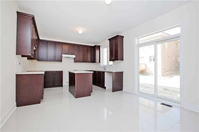 Detached at 1097 Harden Tr, Newmarket, Ontario. Image 19