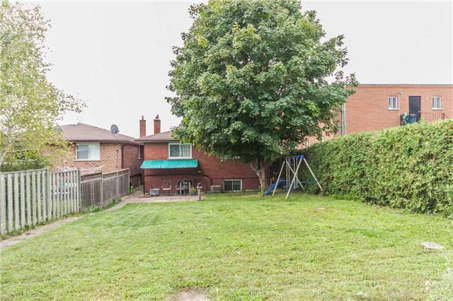 Detached at 67 Centre St, Bradford West Gwillimbury, Ontario. Image 13