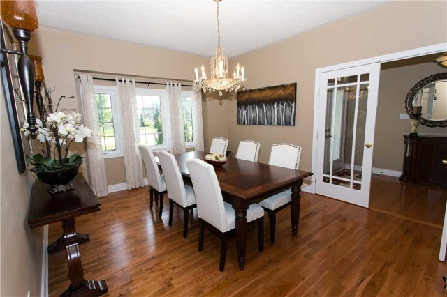 Detached at 67 Manor Ridge Tr, East Gwillimbury, Ontario. Image 15
