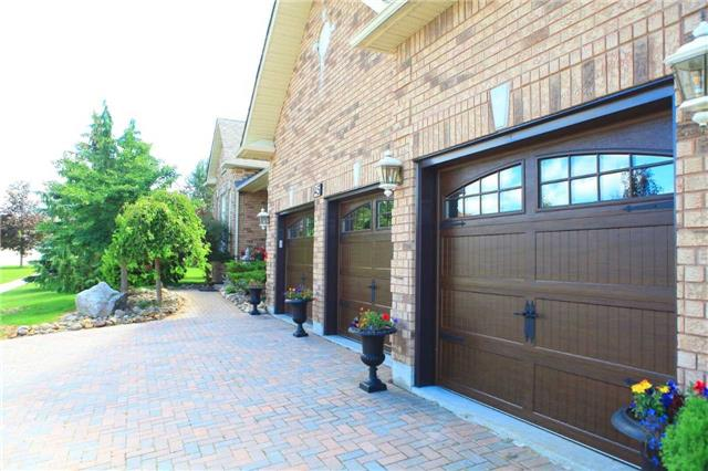 Detached at 45 Colonel Wayling Blvd, East Gwillimbury, Ontario. Image 2