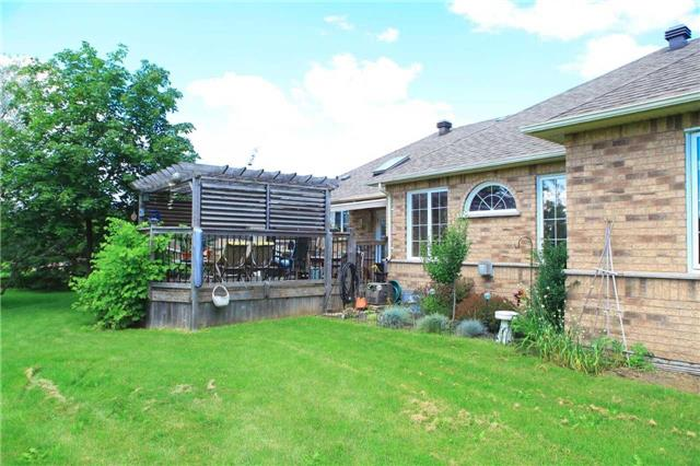 Detached at 45 Colonel Wayling Blvd, East Gwillimbury, Ontario. Image 4