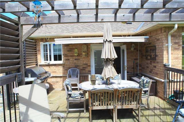 Detached at 45 Colonel Wayling Blvd, East Gwillimbury, Ontario. Image 7