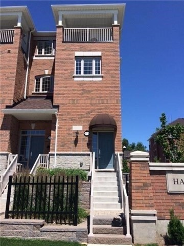 Condo Townhouse at 111 Silverwood Ave S, Richmond Hill, Ontario. Image 1