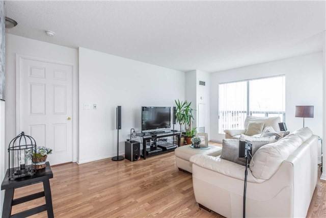 Condo Apartment at 185 Oneida Cres, Unit 506, Richmond Hill, Ontario. Image 11