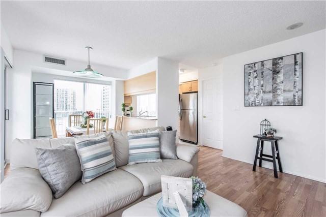 Condo Apartment at 185 Oneida Cres, Unit 506, Richmond Hill, Ontario. Image 12
