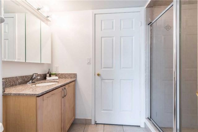Condo Apartment at 185 Oneida Cres, Unit 506, Richmond Hill, Ontario. Image 3