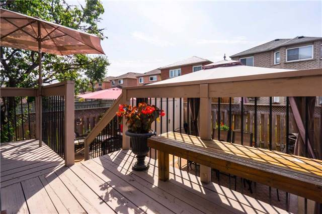 Semi-detached at 18 Prestonwood Crt, Vaughan, Ontario. Image 7