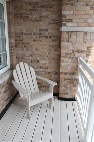 Condo Townhouse at 520 Silken Laumann Dr, Unit 9, Newmarket, Ontario. Image 12