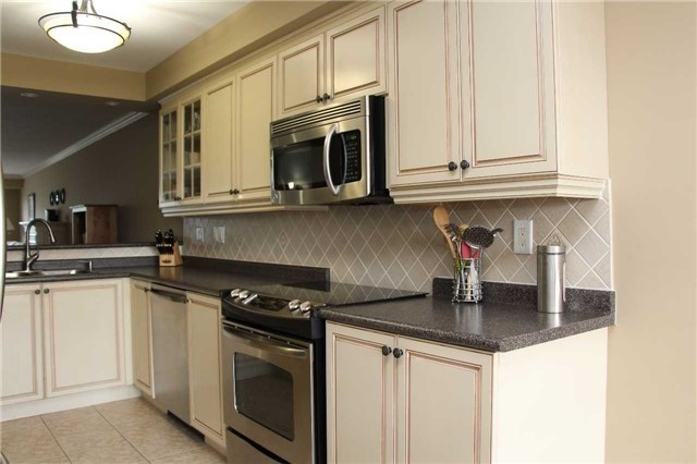 Condo Townhouse at 520 Silken Laumann Dr, Unit 9, Newmarket, Ontario. Image 14