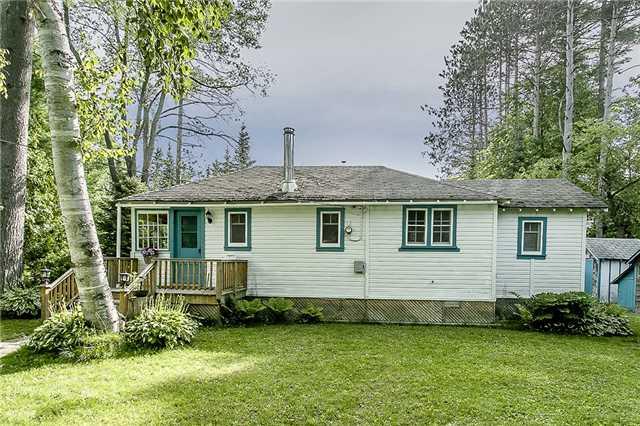 Cottage at 2245 Merrett St, Innisfil, Ontario. Image 1