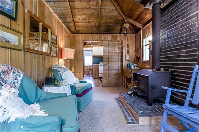 Cottage at 2245 Merrett St, Innisfil, Ontario. Image 7