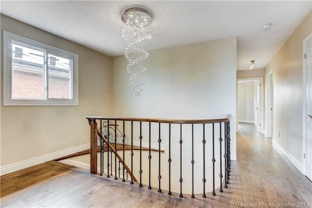 Detached at 47 Cabinet Cres, Vaughan, Ontario. Image 3