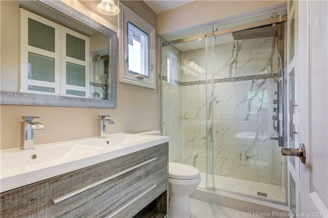 Detached at 47 Cabinet Cres, Vaughan, Ontario. Image 5