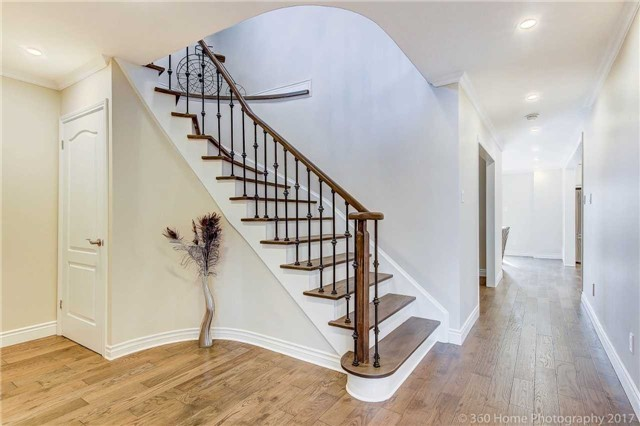 Detached at 47 Cabinet Cres, Vaughan, Ontario. Image 6