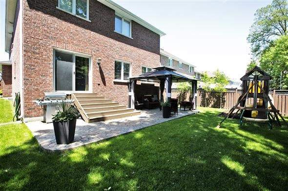 Detached at 72 Glendower Cres, Georgina, Ontario. Image 9