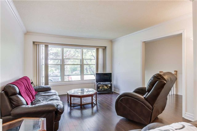 Semi-detached at 42 Hillview Dr, Newmarket, Ontario. Image 20