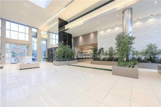 Condo Apartment at 9608 Yonge St, Unit 1606, Richmond Hill, Ontario. Image 12