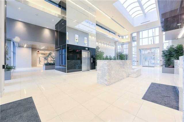 Condo Apartment at 9608 Yonge St, Unit 1606, Richmond Hill, Ontario. Image 14