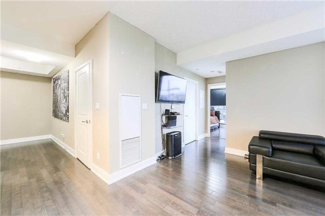 Condo Apartment at 9608 Yonge St, Unit 1606, Richmond Hill, Ontario. Image 18