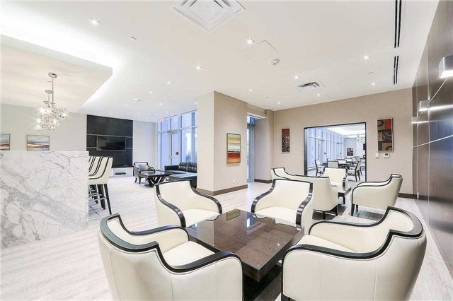 Condo Apartment at 9608 Yonge St, Unit 1606, Richmond Hill, Ontario. Image 2