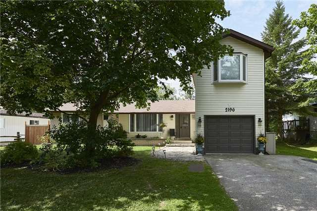Detached at 2196 Richard St, Innisfil, Ontario. Image 1