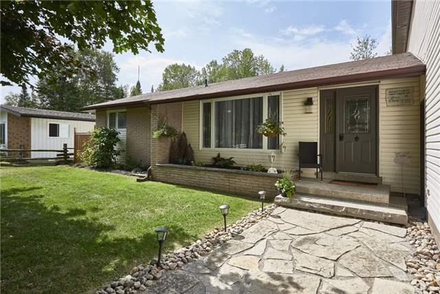 Detached at 2196 Richard St, Innisfil, Ontario. Image 14